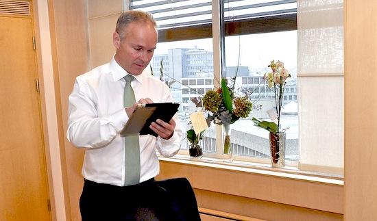 Jan Tore Sanner er statsråd for det nye Kommunal- og moderniseringsdepartementet. Foto: KMD